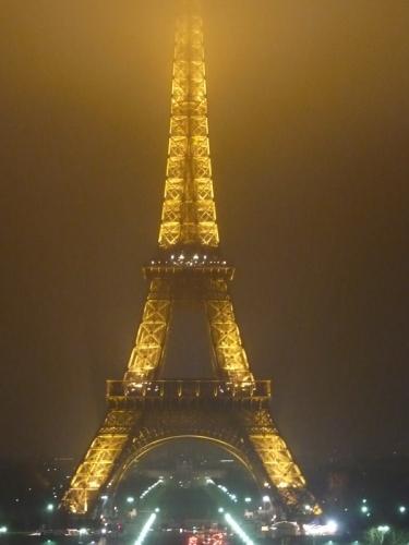 Nočný Paríž
